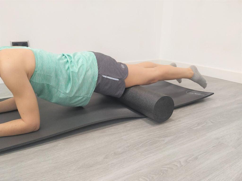 Ejercicios de auto masaje con foam roller:  cuádriceps